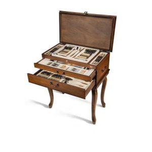 سرویس قاشق و چنگال ۱۸ نفره ناب استیل طرح فلورانس دور طلایی (۱۳۶ پارچه) بعلاوه کنسول چوبی
